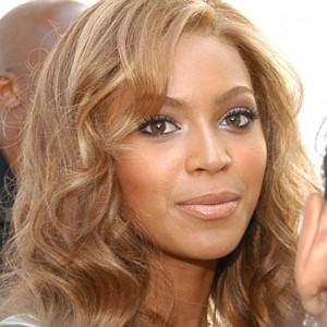 "Beyoncé at the launch of the fragrance ""True Star"" NY 2004 HQ"