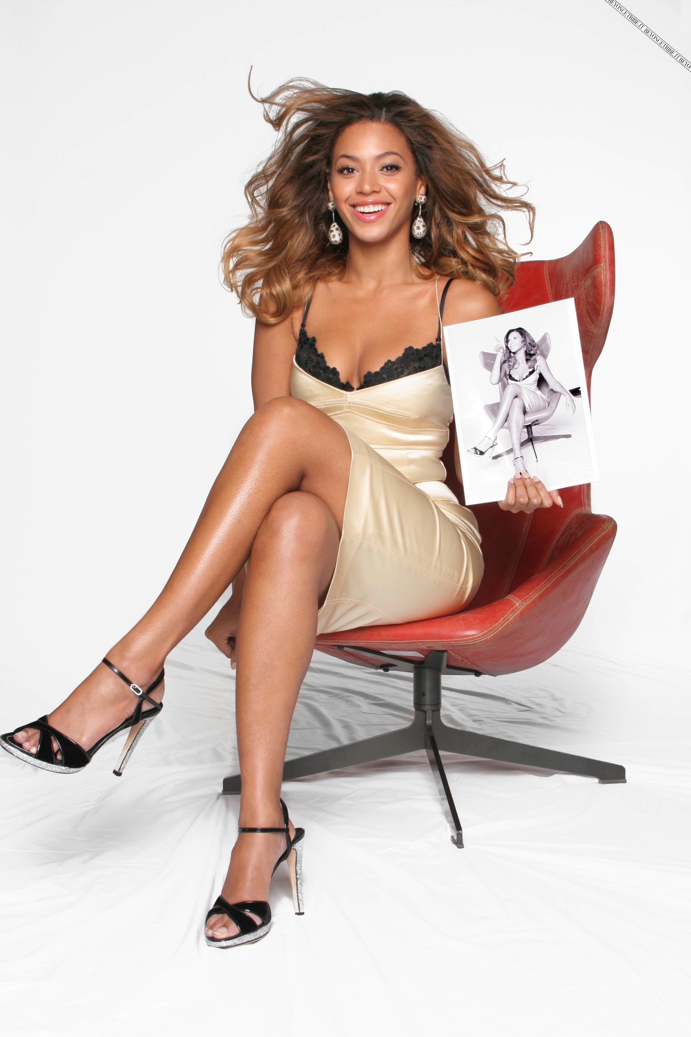 36373_Beyonce_Knowles_Jason_Fraser_Shoot_01_122_100lo