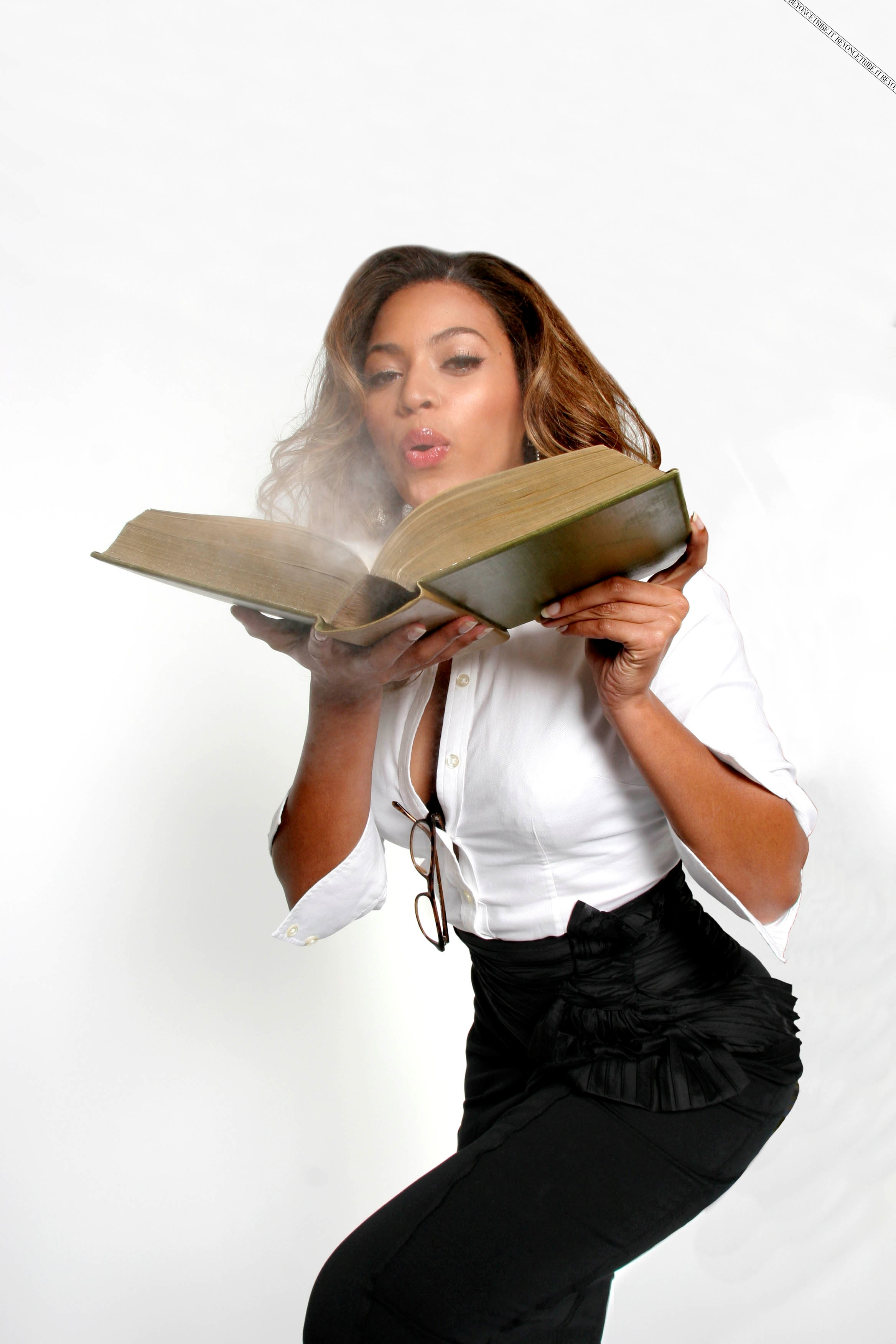 36397_Beyonce_Knowles_Jason_Fraser_Shoot_04_122_715lo