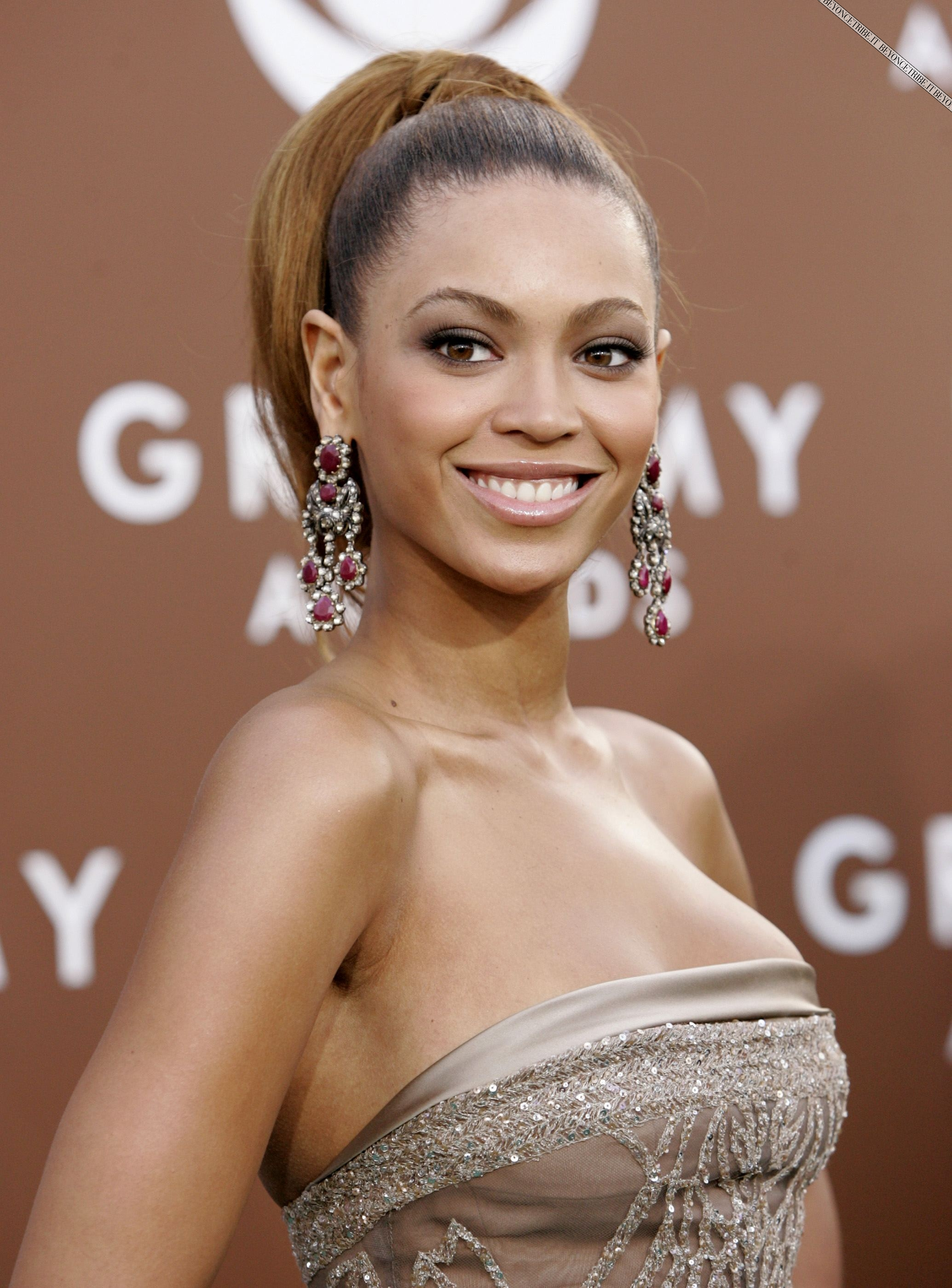 Singer Beyonce Knowles poses at Grammy Awards in Los ...