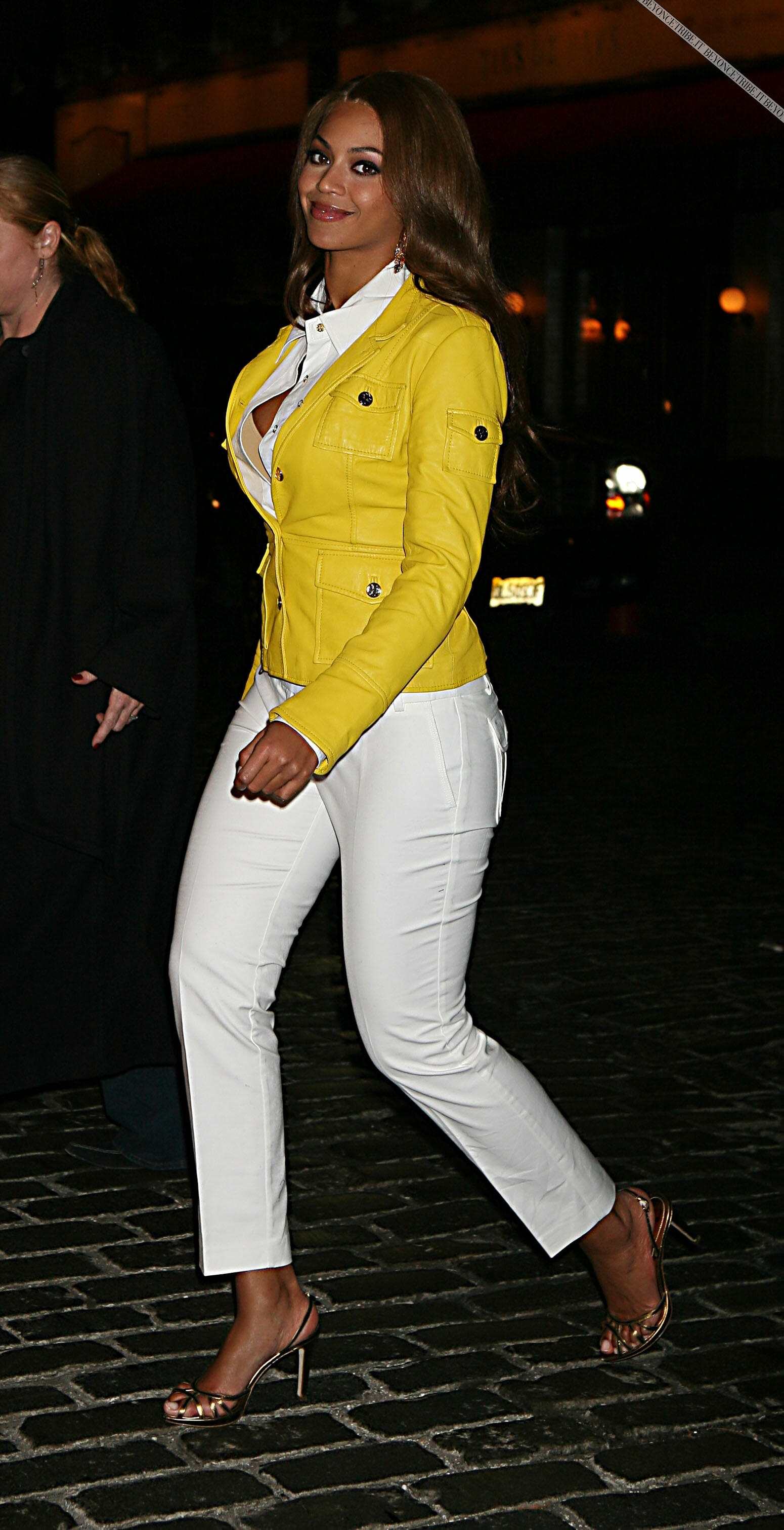 Beyonce Out &amp; About In NYC (March 9, 2007)
