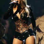 Beyonce Knowles performs at the 2006 MTV Video Music Awards in New York