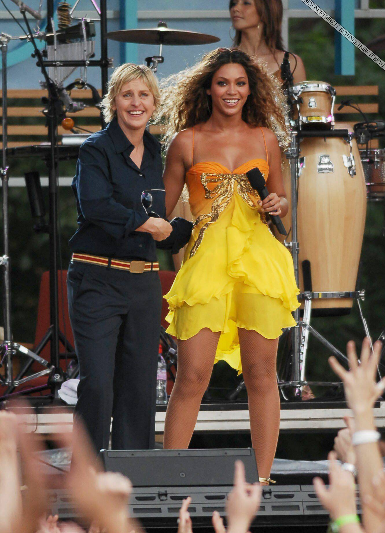 Beyonce and Justin performing on Ellen show NYC