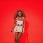 Beyonce_at_XFactor_France_J0001_003