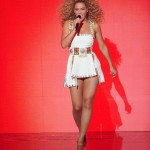 Beyonce_at_XFactor_France_J0001_004