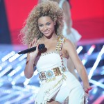 Beyonce_at_XFactor_France_J0001_006