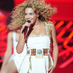 Beyonce_at_XFactor_France_J0001_008
