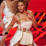 Beyonce_at_XFactor_France_J0001_009