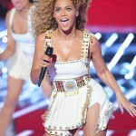 Beyonce_at_XFactor_France_J0001_010