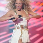 Beyonce_at_XFactor_France_J0001_011