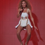 Beyonce_at_XFactor_France_J0001_014