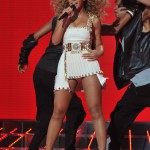 Beyonce_at_XFactor_France_J0001_016