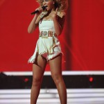 Beyonce_at_XFactor_France_J0001_021