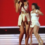 Beyonce_at_XFactor_France_J0001_022