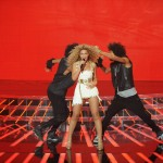 Beyonce_at_XFactor_France_J0001_030