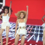 Beyonce_at_XFactor_France_J0001_032