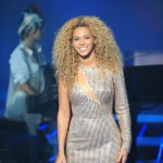 Beyonce_at_XFactor_France_J0001_035