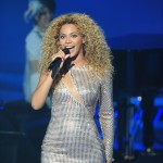 Beyonce_at_XFactor_France_J0001_036