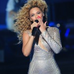 Beyonce_at_XFactor_France_J0001_039