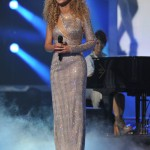 Beyonce_at_XFactor_France_J0001_040