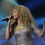 Beyonce_at_XFactor_France_J0001_042