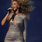 Beyonce_at_XFactor_France_J0001_045