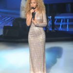 Beyonce_at_XFactor_France_J0001_050