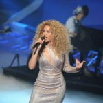 Beyonce_at_XFactor_France_J0001_052