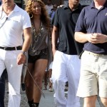beyonce-knowles-braless-candids-in-italy-06-2200x3098