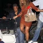 beyonce-knowles-braless-candids-in-italy-14-2200x3038