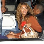 beyonce-knowles-braless-candids-in-italy-15-2200x1593