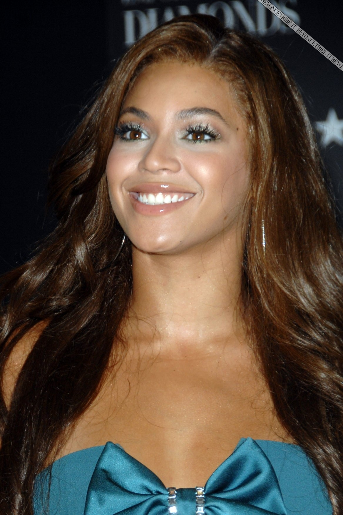 Beyonce launches 'Emporio Armani Diamonds' perfume at Macy's Herald Square, August 16, 2007