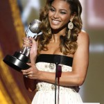Beyonce at the 40th NAACP Image Awards 12 feb 2009  in LA