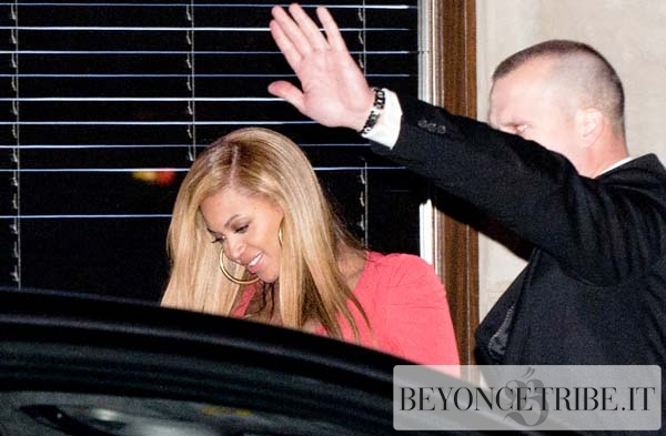 Jay-Z and Beyonce Spotted Leaving The 40/40 Club