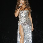 beyonceknowlesinconcertatthetr-10