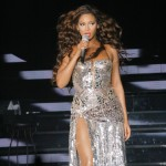 beyonceknowlesinconcertatthetr-2