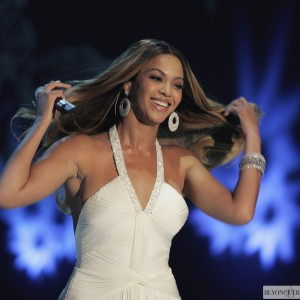Beyoncé performed Listen on ZDF TV Show Wetten Dass - Germany 20 Jan 2007