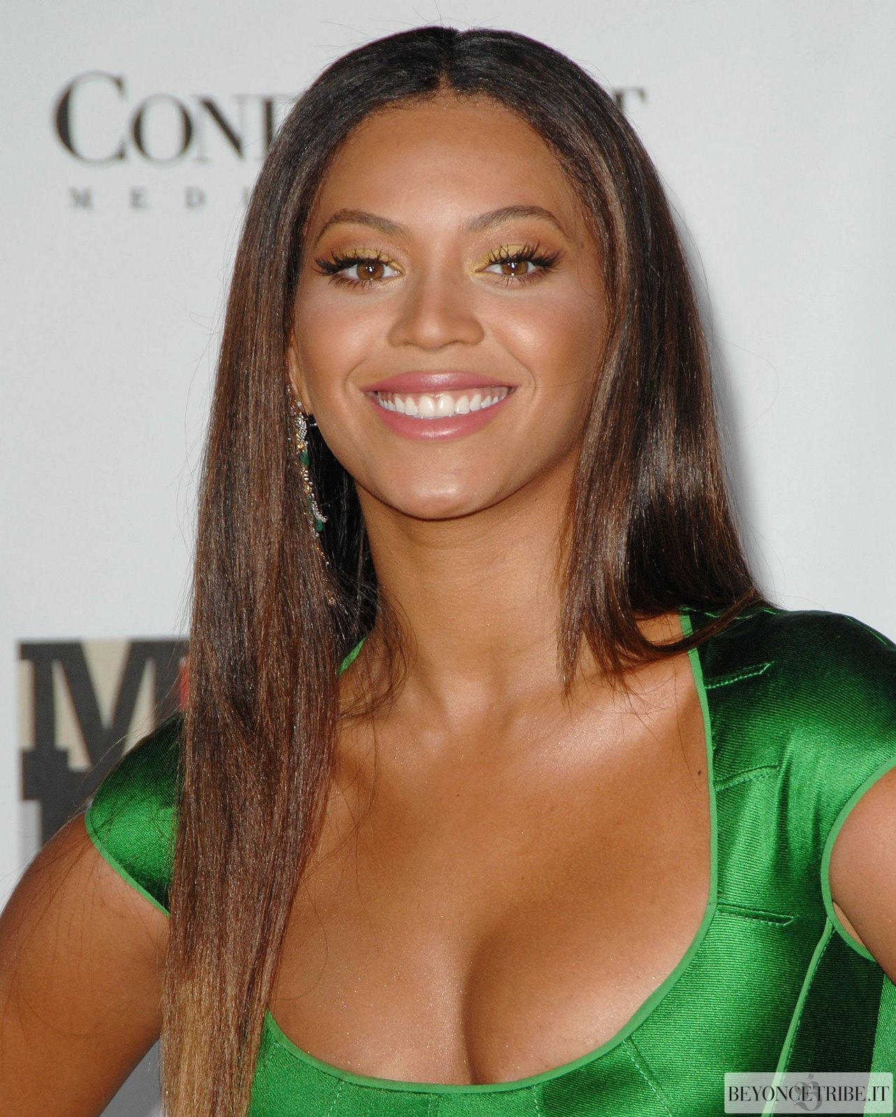 Beyoncé red carpet  Movies Rock 2 Dic 2007