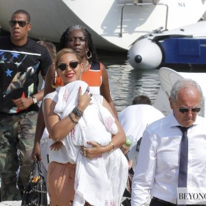 Beyoncé ,Jay-Z  & Blue Leave St. Barth - 8 sept 2012