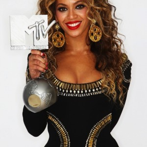 Beyoncé portraits by Dave Hogan on EMA Studio 2009-2