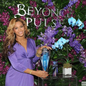 Beyonc Launches new fragrance Pulse on Dream Downtown Hotel - NY 21 Sept 2011-3