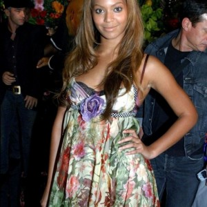 Beyonc Dolce &amp; Gabbana Women&#039;s Fashion Show Milan - Italy 03 oct 2003