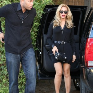 Beyonc out &amp; about in West Hollywood - CA 14 febr 2011