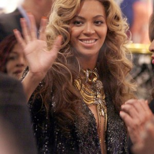 Beyonce Knowles indulges in a spot of retail therapy in Selfridges, London after launching her clothing line, House of Dereon, with mom Tina