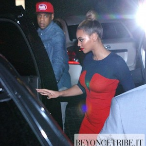 Beyoncé & Jay-Z showed up at the SoHo Beach Club in Miami - 9 Dec4