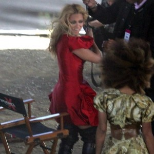 Beyoncé on the set of Run the World -2