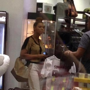 Beyonc &amp; Jay-Z shopping in Miami 11 dec 2012-1