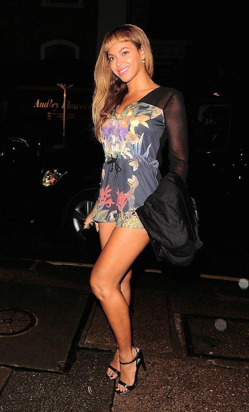 01Beyoncé e Jay Z cenano con Adele da Harry's Bar a Londra