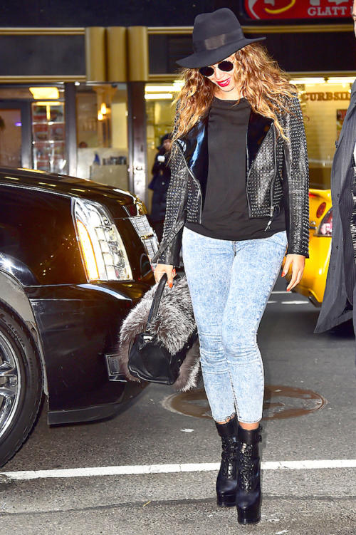 1Beyoncé spotted arriving and out at Parkwood Entertainment in Manhattan - NYC 20 Nov 2014