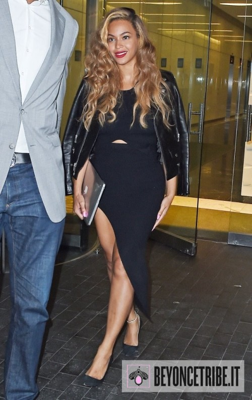 Beyonce-Knowles-Night-Out-NYC-c8MVXwo-Ssdx
